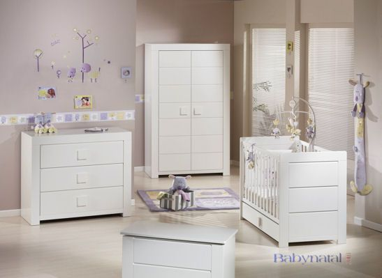 nouveau modele pour la chambre de bebe rere et wawann accouchement pr vu le 7 septembre 2010. Black Bedroom Furniture Sets. Home Design Ideas