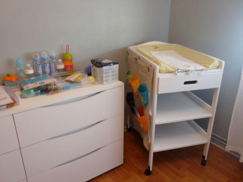 le coin table langer julie et thomas naissance le 10 octobre 2010. Black Bedroom Furniture Sets. Home Design Ideas