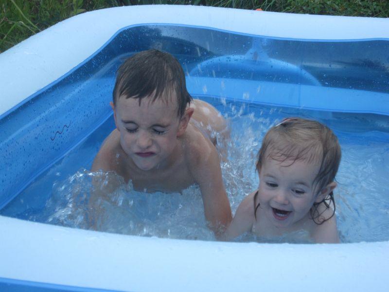 Course dans la piscine karine st phane cl ment et for Accouchement piscine