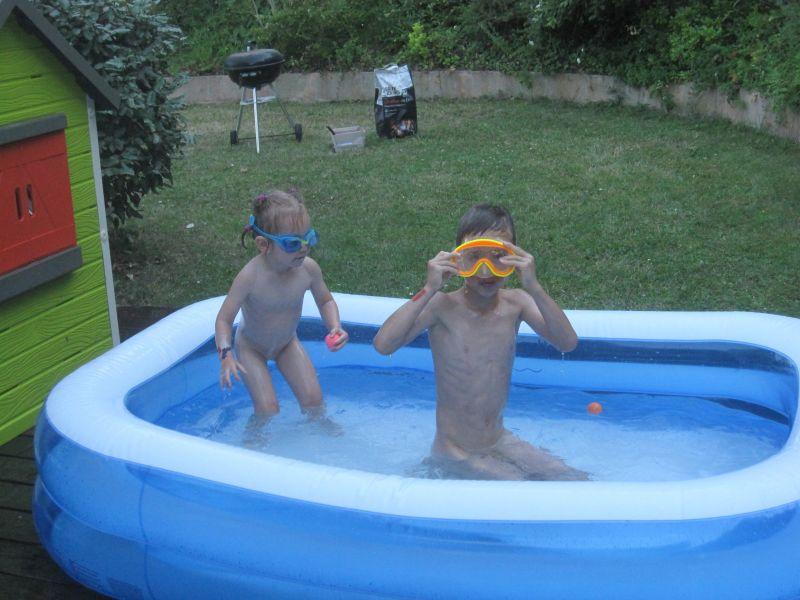 Piscine karine st phane cl ment et pauline for Accouchement en piscine
