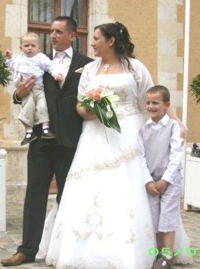 merci galement tous dtre venus et merci pour votre gnrosit maintenant place aux premires photos reues de la famille en attendant - Chateau De Valnay Mariage