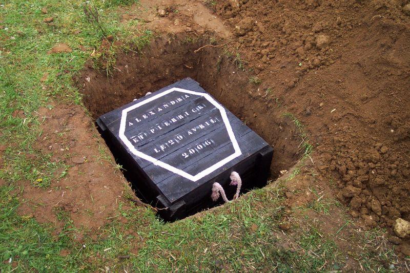 l 39 enterrement de vie de gar on et de jeune fille alexandra et pierrick mariage le 27 mai 2006. Black Bedroom Furniture Sets. Home Design Ideas