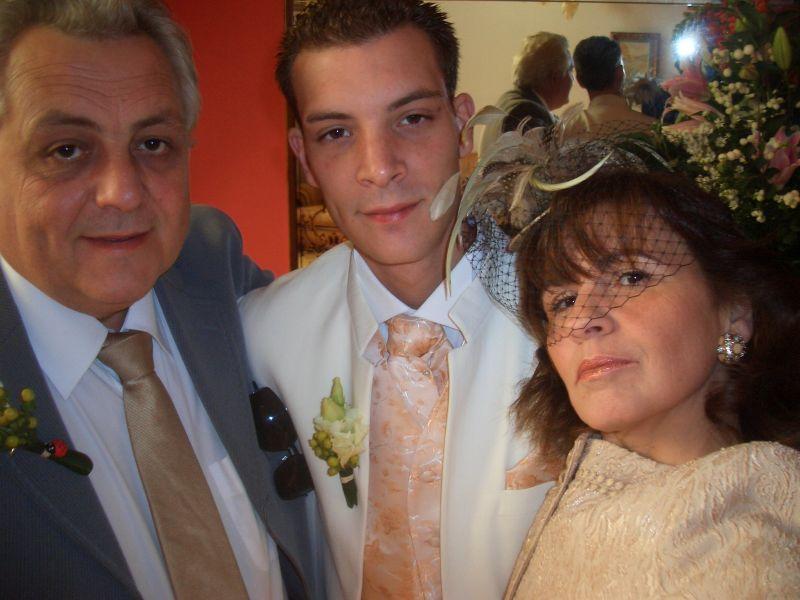 Le mari et ses parents sabrina et cyril mariage le 27 septembre 2008 - Message boulette mariage ...